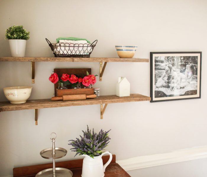 Open Shelving, Country Style